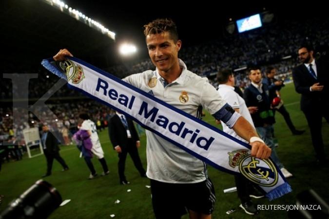 Cristiano Ronaldo sabet penghargaan FIFA 2017