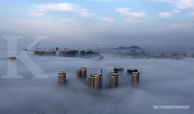 China's property investment fastest in 3 years but sales slow