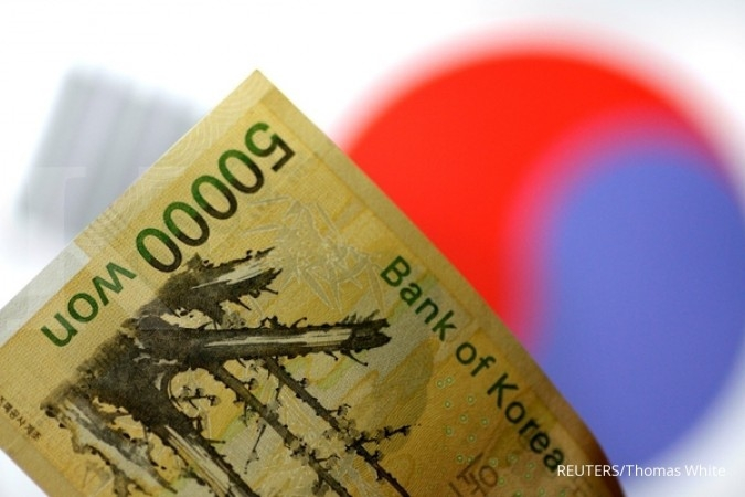 South Korea cuts interest rates as economy loses steam