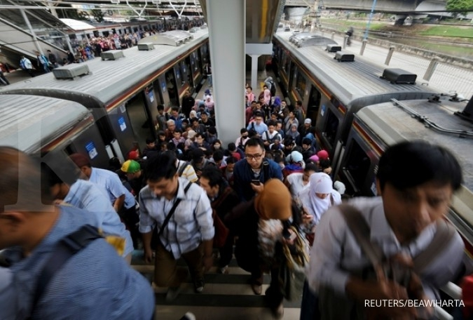 Commuter train passengers to receive free 'takjil' from May 15 to 17