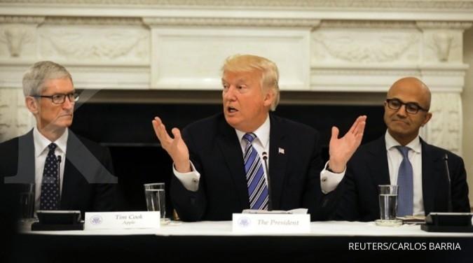 Trump: Apple akan bangun 3 pabrik besar & indah di AS