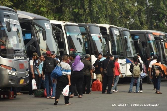 Kemhub minta semua bus harus masuk terminal