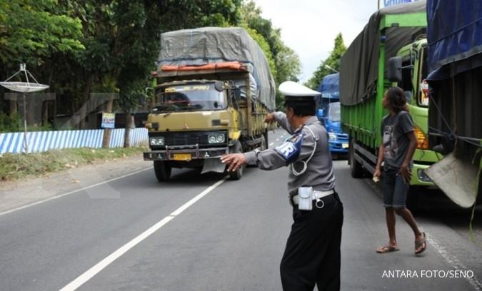 Polisi akan batasi truk yang lewat jalan tol