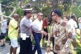Saat Obama menawar suvenir di Pura Gunung Kawi