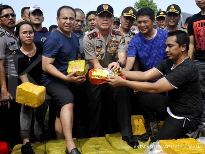 Jokowi perintahkan agar pengedar narkoba didor