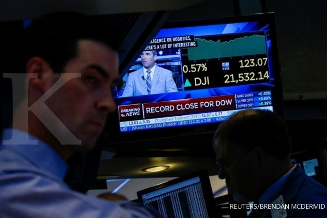 Wall Street solid, Dow Jones cetak rekor lagi