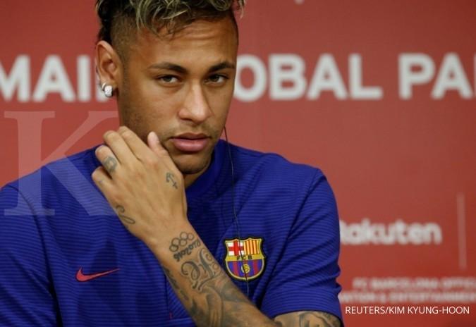 PSG membeli Neymar € 222 juta