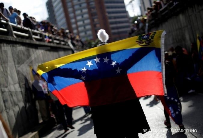 AS pertimbangkan larangan trading utang Venezuela