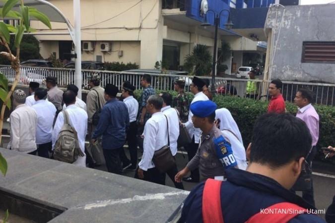 Massa 287 bubar setelah sholat Ashar