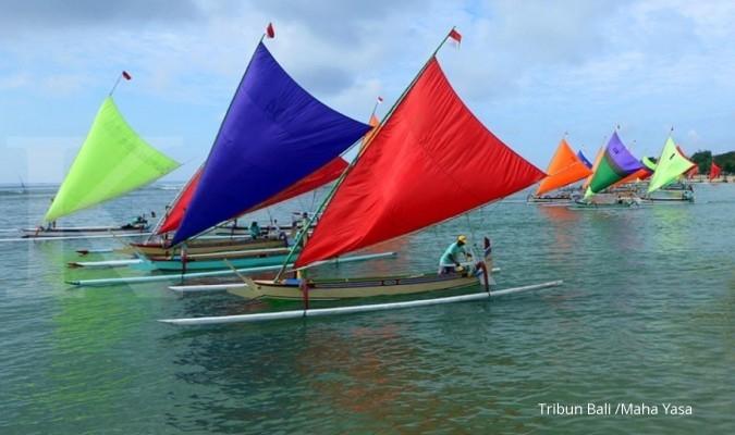 Yuk mendayung perahu Kora ke Ternate