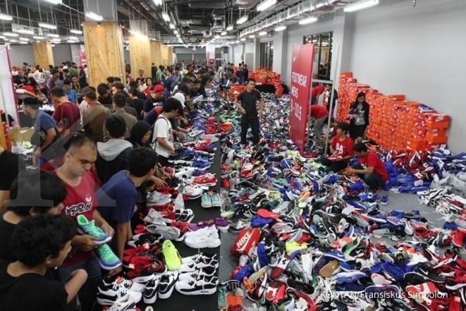 Pengunjung rusuh, Nike Bazaar ditutup!