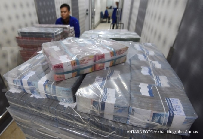Greenback ungguli rupiah, pantau data AS