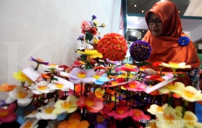 Mengunduh Rezeki Cantik Dari Buket Bunga Imitasi Page All