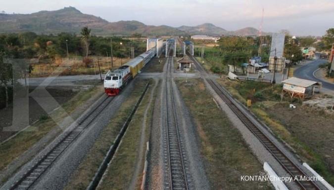 Untung rugi kereta semi cepat Jakarta-Surabaya