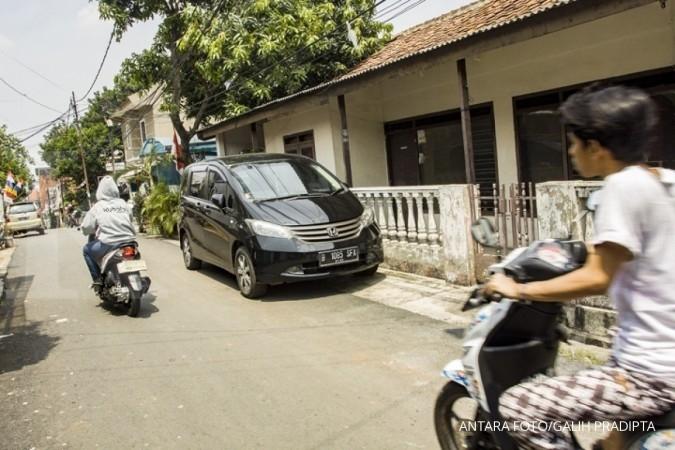 Djarot: Mobil boleh parkir di lapangan, asalkan...