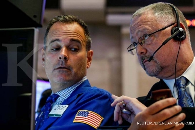 Bursa AS terkoreksi saham teknologi