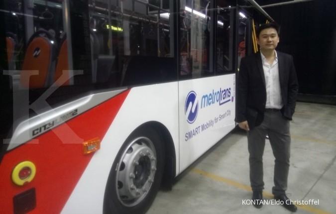Peringati 40 tahun, Laksana luncurkan bus baru