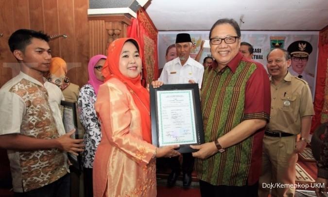 9 UKM Sumbar dapat sertifikat HKI halal gratis