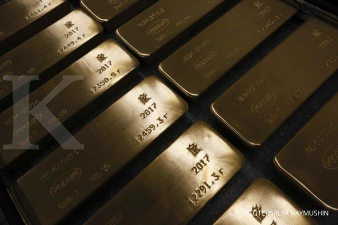 Emas turun dari posisi tertinggi empat bulan