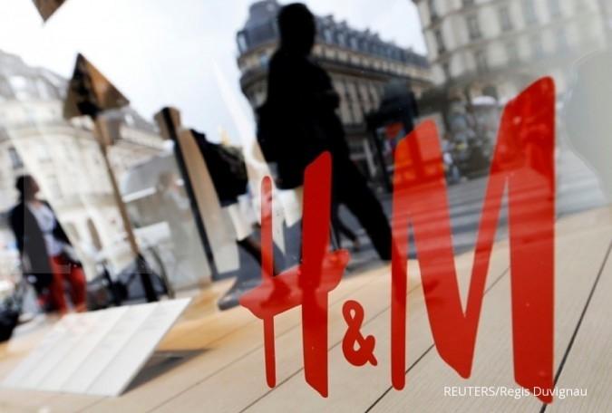 Pembeli pindah ke online, bisnis H&M anjlok