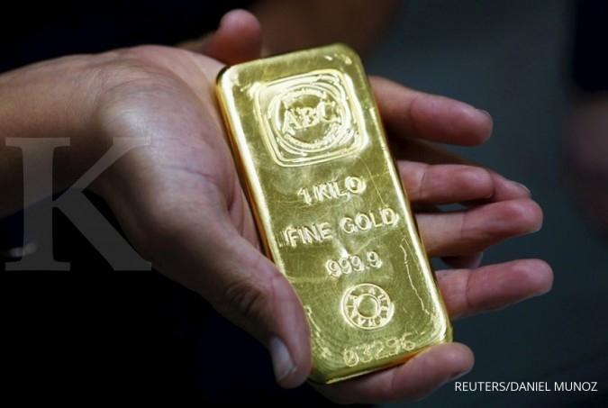 Harga emas batangan Antam turun tipis