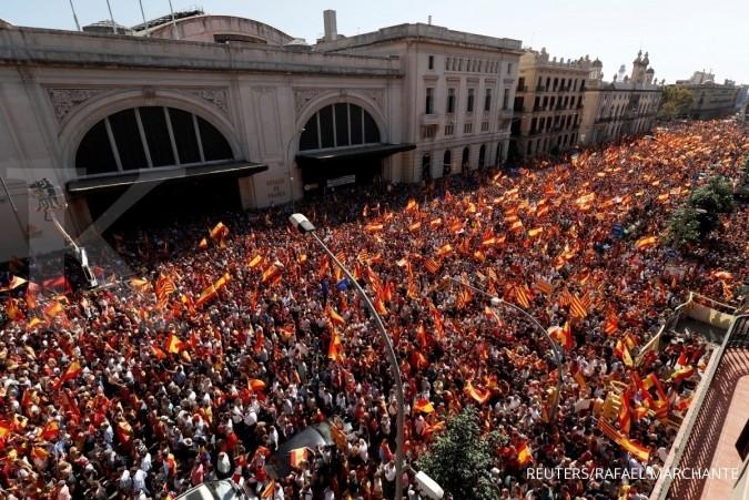 Aksi ratusan ribu warga Catalan yang tolak merdeka