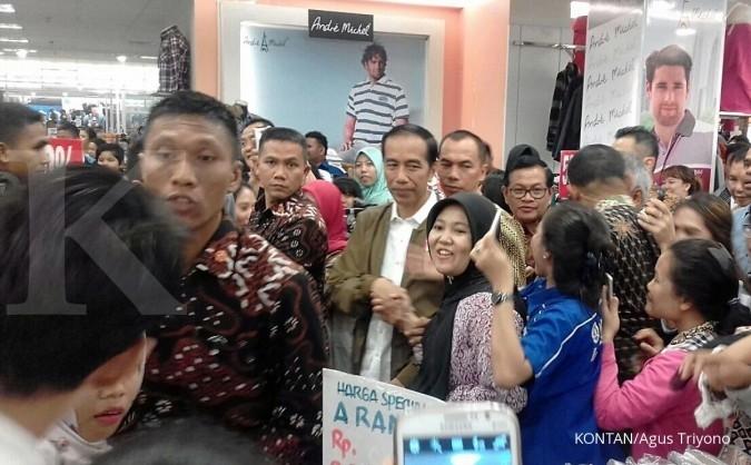 Jokowi ngemall di Palembang