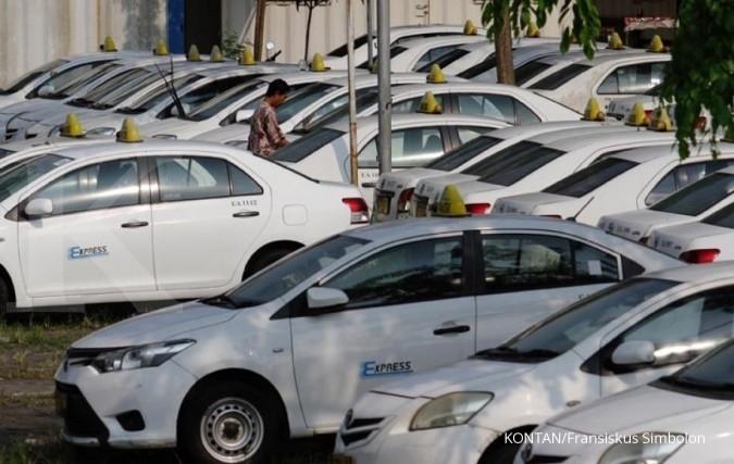 Peringkat utang turun, saham Tiga Pilar dan taksi Express diprediksi underperform