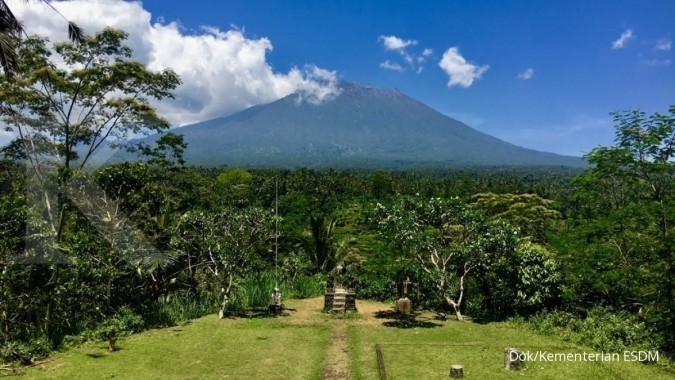 Status Gunung Agung turun dari awas menjadi siaga