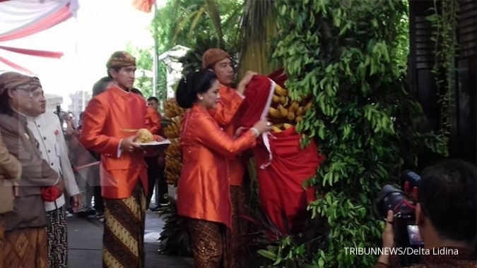 Jokowi's daughter's wedding procession starts