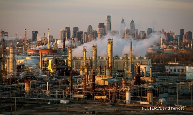 Capai level tertinggi, harga minyak terpeleset