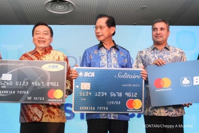 Tak Ada Bunga Bca Andalkan Fee Tarik Tunai Dari Kartu Mastercard