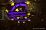Euro zone puts pressure on Dutch, Germans to spend more
