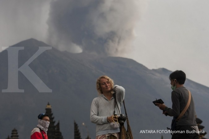 Mt. Agung volcano threatening to blow its top