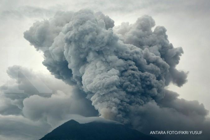 Gunung tak aktif di Papua Nugini tiba-tiba meletus