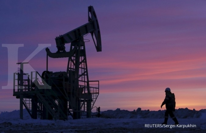 Oil prices close to mid-2015 highs