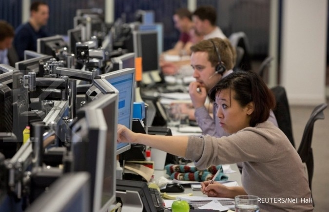 European shares open on a cautious note