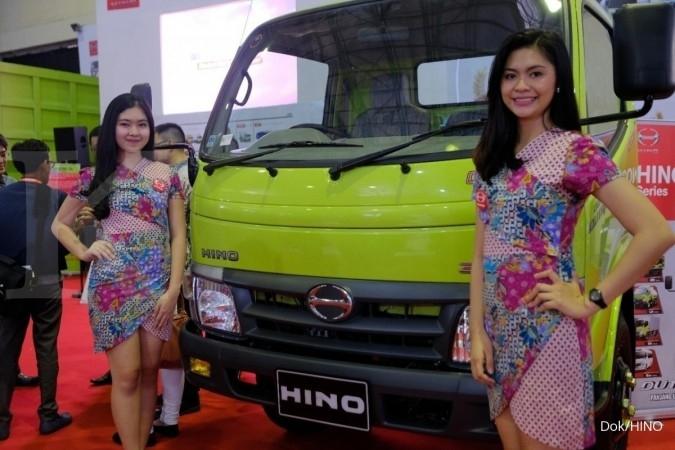 Hino tampilkan produk terbaru di pameran Makassar