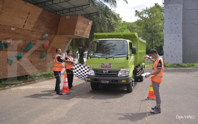 Safety Driving Competition Hino tiba di Padang
