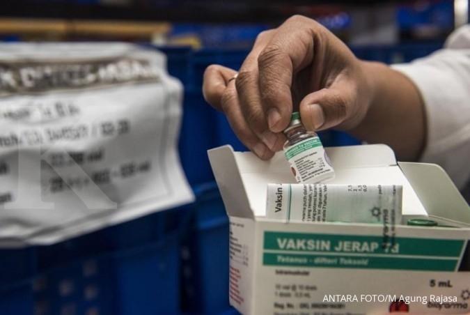 Bio Farma lembur memproduksi vaksin difteri