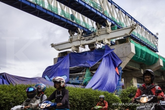 LRT girder collapses in East Jakarta, injures five