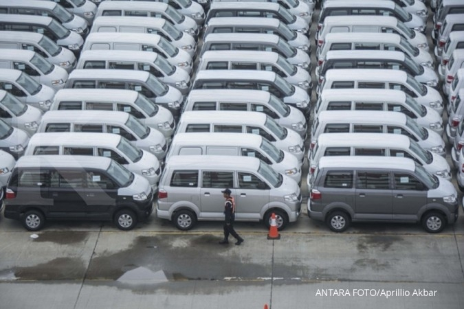 Lelang mobil dinas Suzuki APV 7 unit, harga murah, hanya Rp 20-an juta