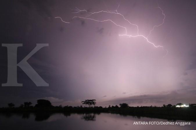 BMKG: Waspadai hujan petir dan angin kencang di Jakarta pada siang dan malam hari