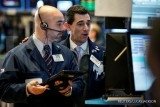 Wall Street gains on earnings optimism, waning Syria jitters