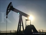 Oil prices set for biggest weekly drop since 2008
