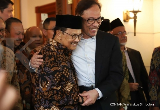 Anwar Ibrahim: Indonesia visit to celebrate 'Reformasi'