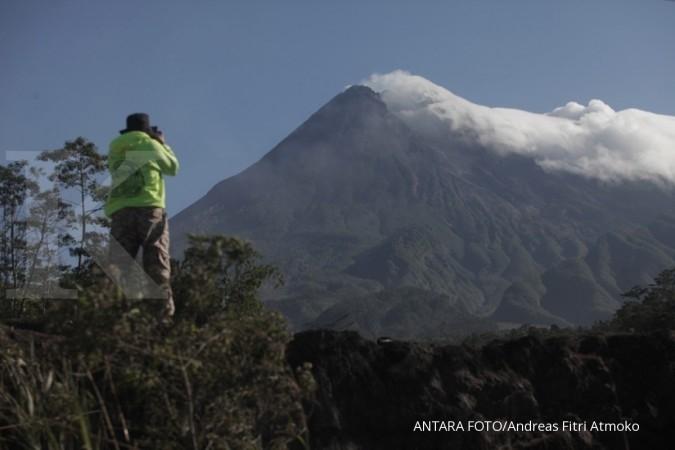 Gunung Merapi meletus dengan tinggi kolom letusan 1.000 meter