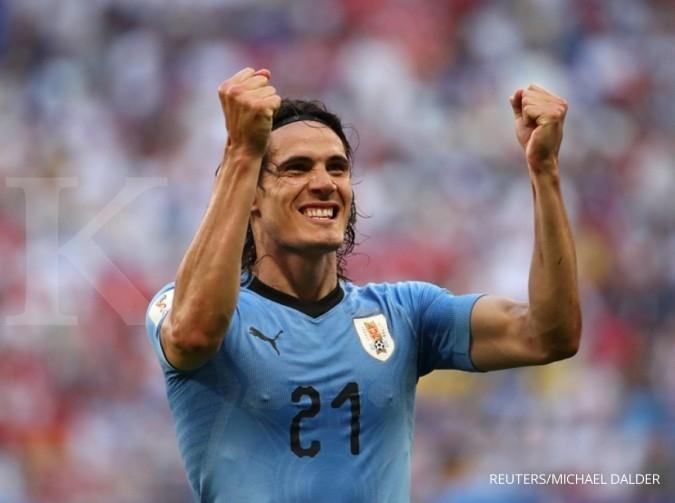Penyerang Uruguay dan Manchester United, Edinson Cavani terkena sanksi larangan 3 pertandingan