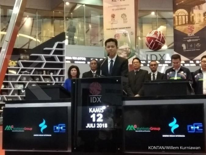 Naik 49,56% di hari perdana, saham Mahkota Group (MGRO) mentok di batas atas