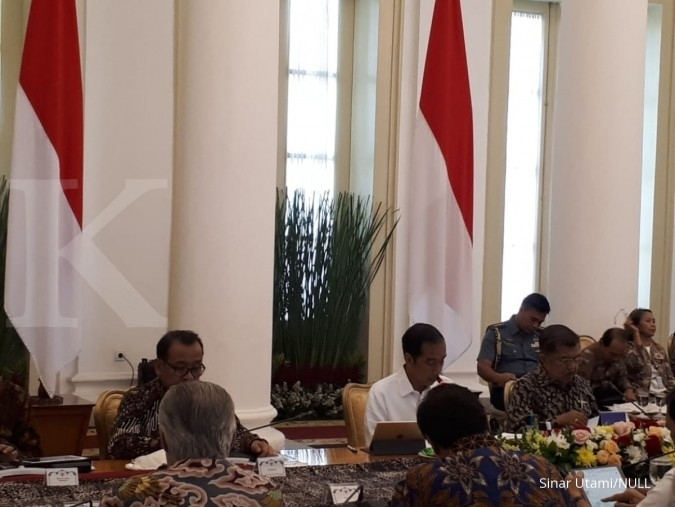 Indonesia needs dollar now: Jokowi